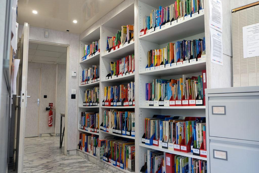 学校の図書コーナー