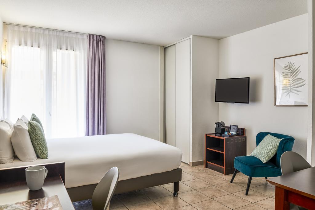 アパートホテルADAGIO