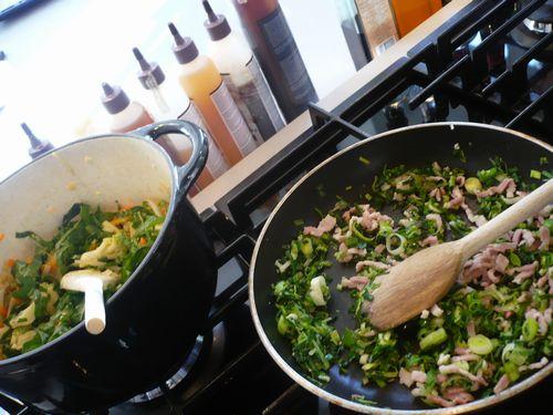 新鮮な食材を使って料理します。