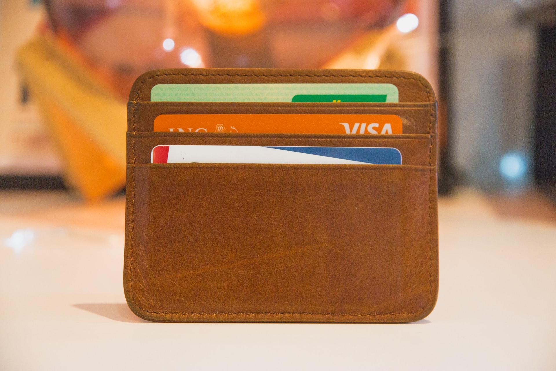 どこのクレジットカードがフランス留学におすすめなの?