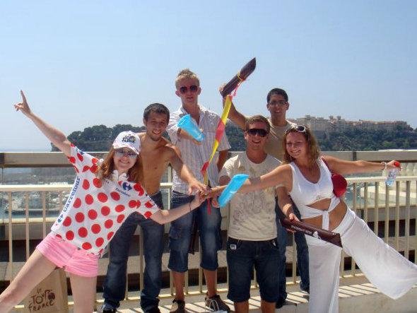 モナコにて。様々な国籍の友達たちと。